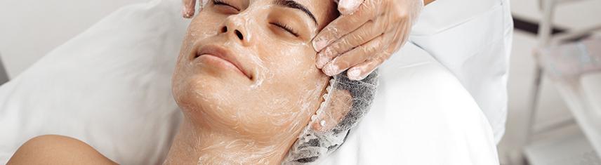 Clinica Bolzan - blog - Entenda o que é a limpeza de pele profunda