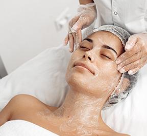 Entenda o que é a limpeza de pele profunda